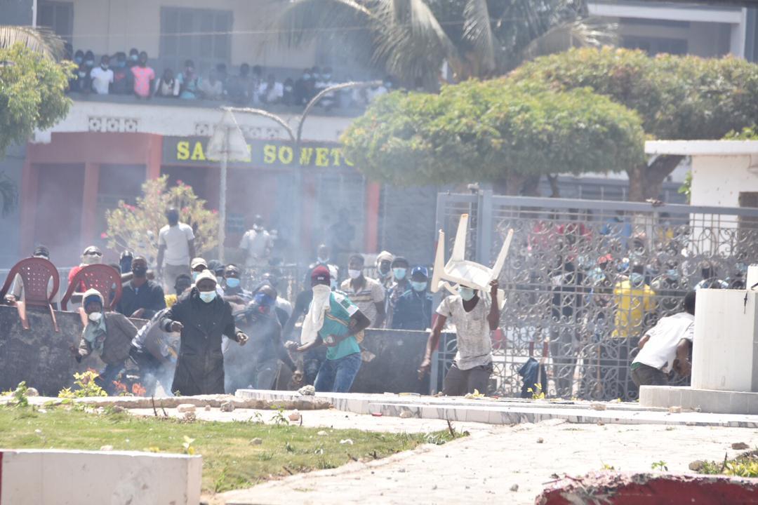 Arrestation de Sonko: les manifestations ont repris dans divers endroits à Dakar