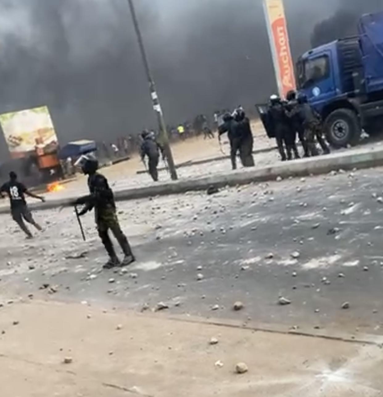 Manifestations : Ça chauffe à Keur Massar... (IMAGES)