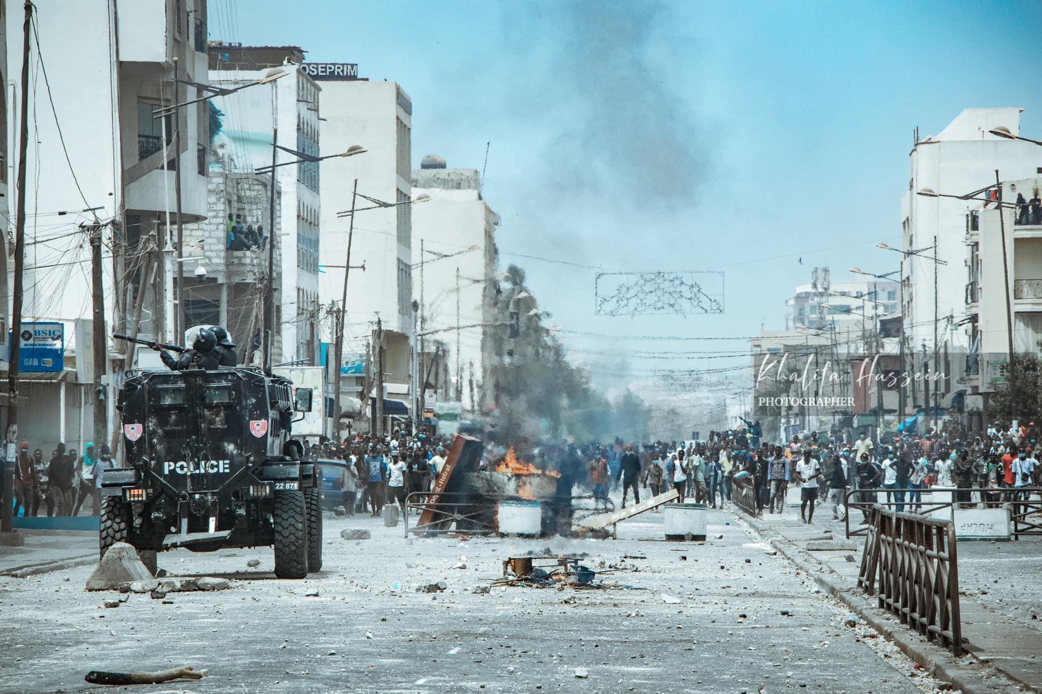 Manifestations : Les représentations diplomatiques au Sénégal appellent au calme et déplorent les scènes de violence ayant occasionné des morts.