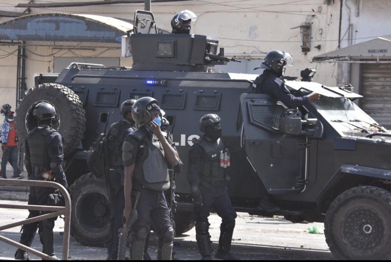 Colobane : La Caserne Samba Diéry Diallo et certains sites stratégiques de Dakar barricadés...