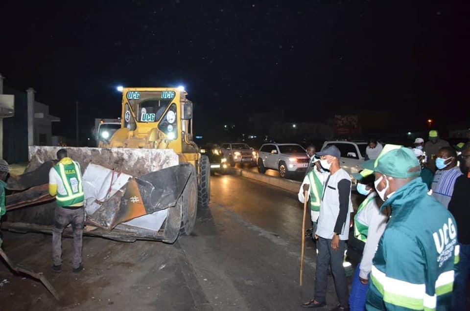 Lendemain des émeutes : Le ministère de l'urbanisme nettoie Dakar et fait le bilan des casses.