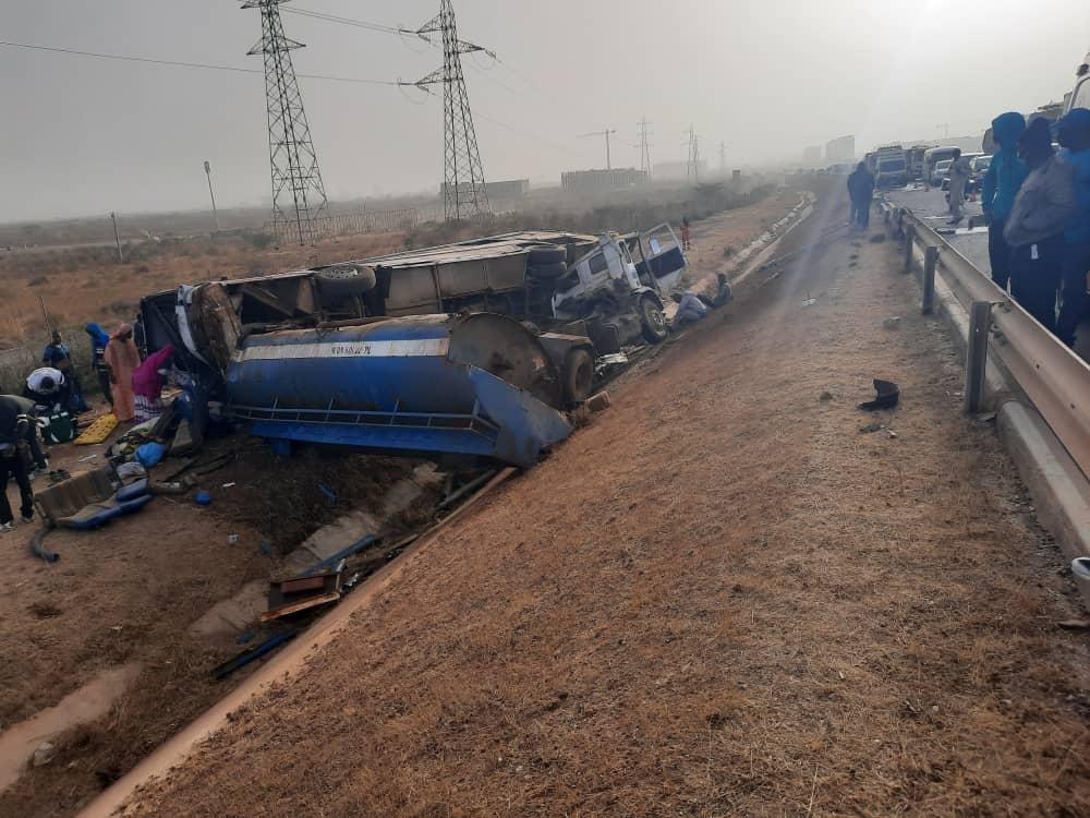 Diamniadio : une collision entre un bus et un camion-citerne fait trois morts et une trentaine de bléssés
