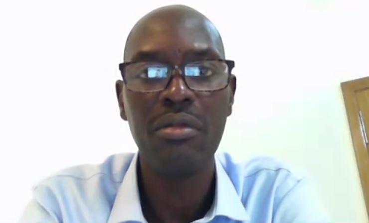 AstraZeneca et le principe de précaution : « Il n'y a pas encore de patient présentant des effets secondaires graves après vaccination » (Dr Boubacar Signaté, médecin urgentiste).