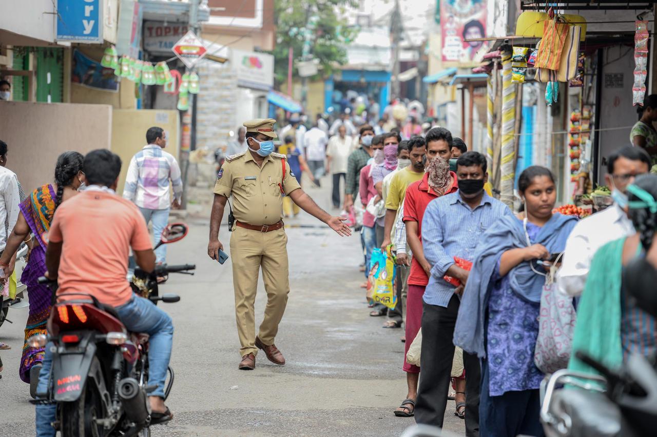 """Covid-19 : Un nouveau """"variant doublement mutant"""" découvert ce mercredi en Inde."""