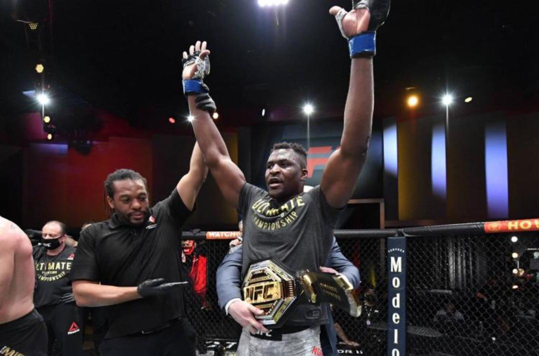 MMA / UFC : Le camerounais Francis Ngannou, premier africain champion du monde des poids lourds.