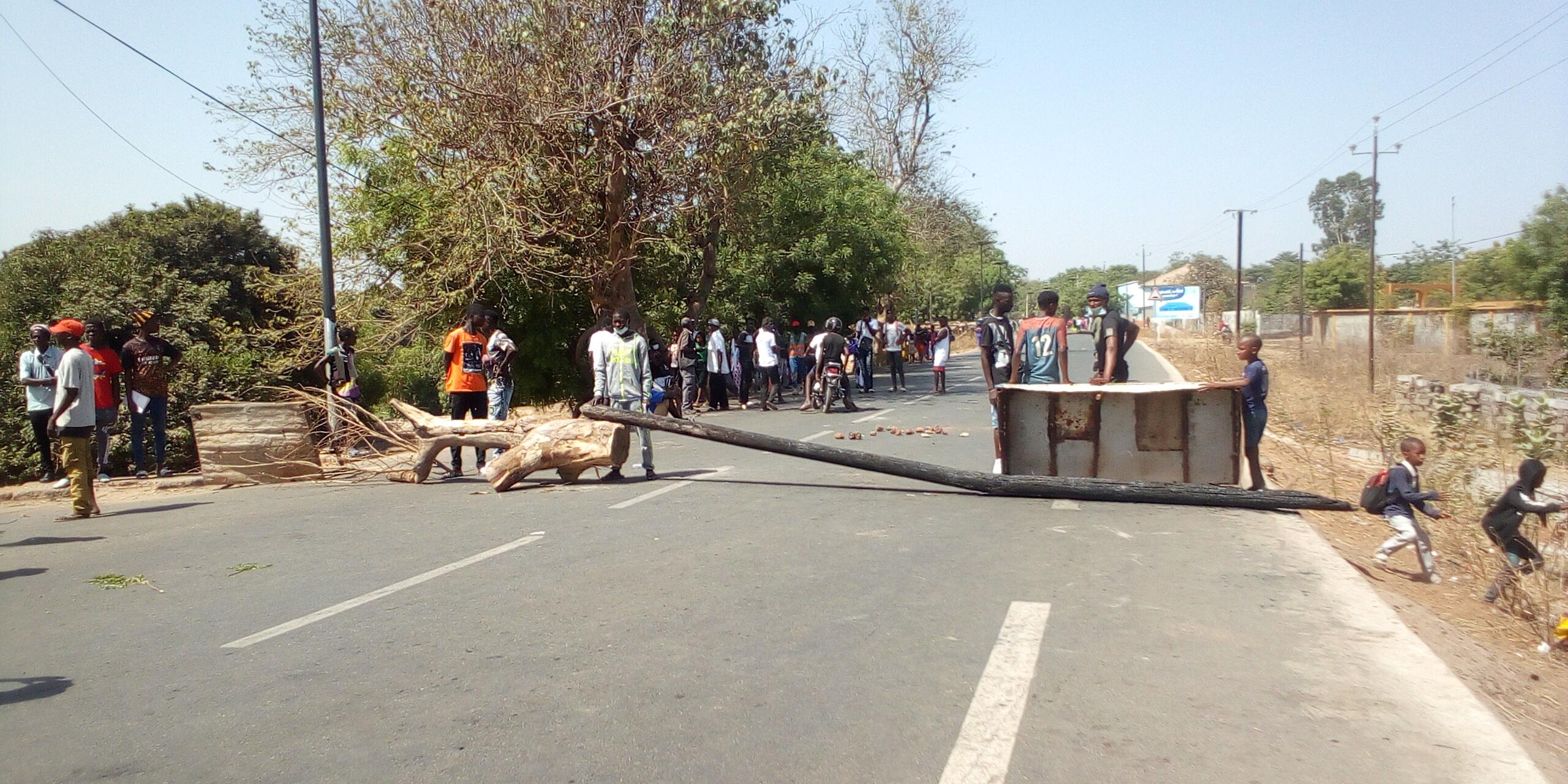 Mort de la tenancière d'un bar à Kolda : les habitants du quartier Saré Kémo barrent la route…
