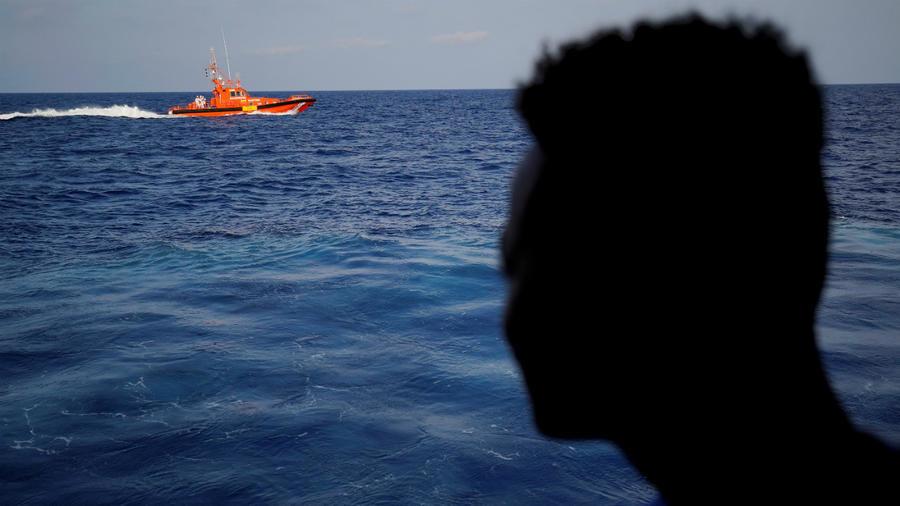 Victimes de panne de moteur en mer / Trois français localisés par le F50M de la flottille 24  et repêchés par des pêcheurs locaux.