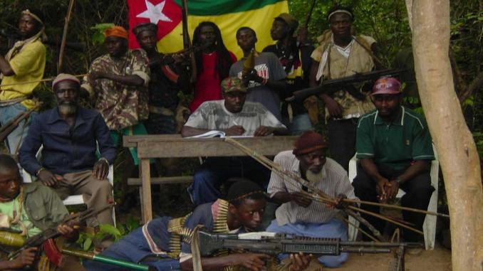 Processus de paix en Casamance / Après Rome avec Saint'Egio, Praia s'en mêle avec le Centre Henry-Dunant en recevant les deux parties.