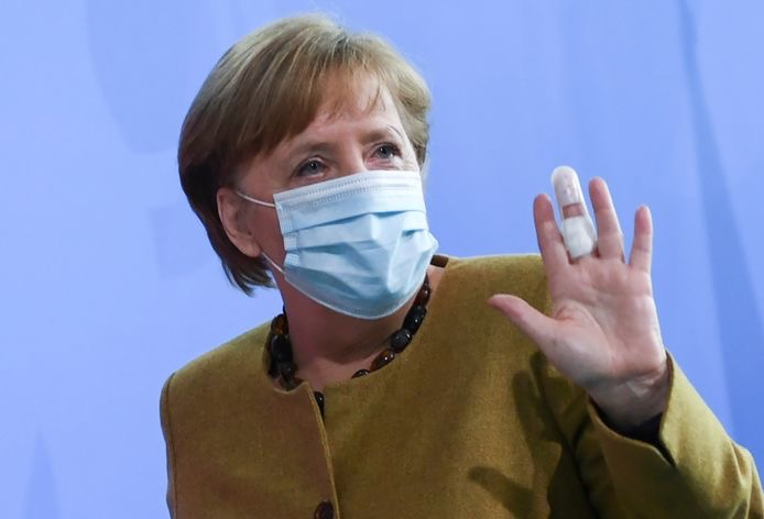 Allemagne : Angela Merkel a reçu une première dose d'AstraZeneca.