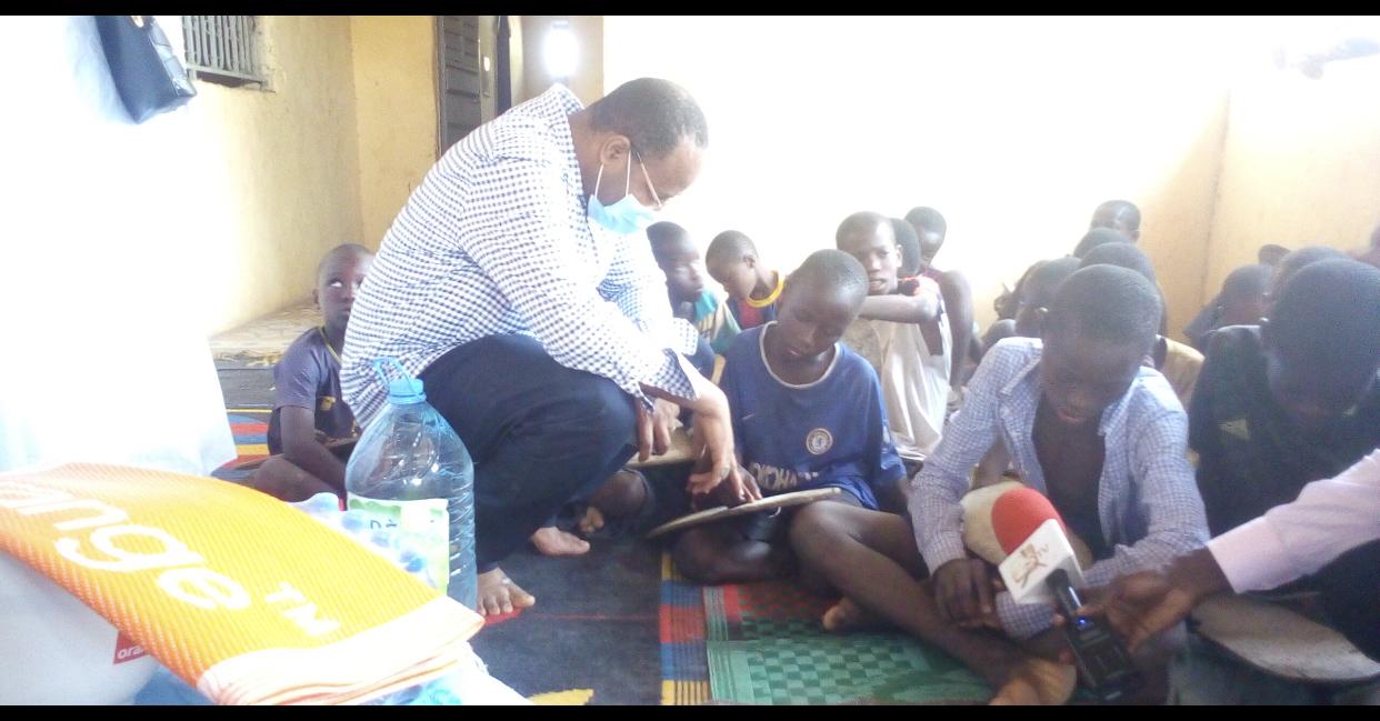 Ramadan à Kolda : le maire Abdoulaye Bibi Baldé au chevet des daaras et lieux de culte.