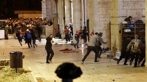 Jérusalem : La tension à son comble, des centaines de blessés dénombrées