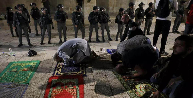 Tensions à Jérusalem: le geste fort de fidèles musulmans envers des policiers israéliens