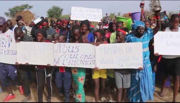 Sandiara : Le village de Nianiar dans la rue pour crier son ras le bol, le maire rassure...