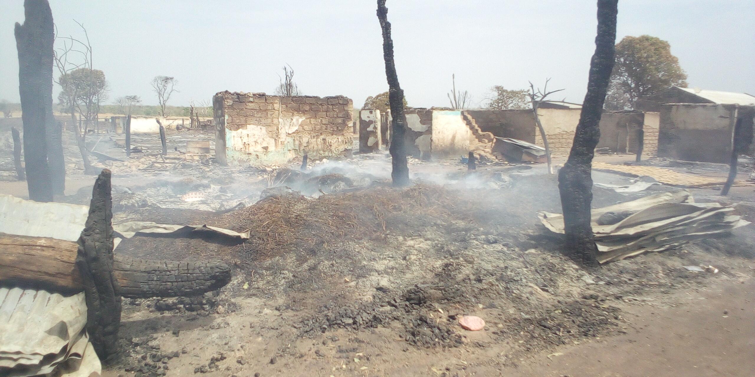 Incendie de Darou Khoudoss : les sinistrés reçoivent la visite des autorités administratives et locales.