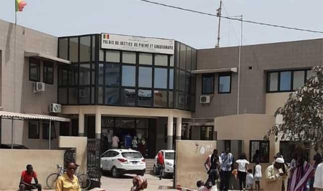 Justice : Les greffiers du tribunal de Pikine Guédiawaye observent un arrêt de travail