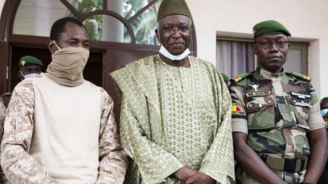 Mali / L'Onu désarme la junte, exige la libération des « détenus » et ordonne à l'armée de retourner dans les casernes. Les USA suspendent son assistance...