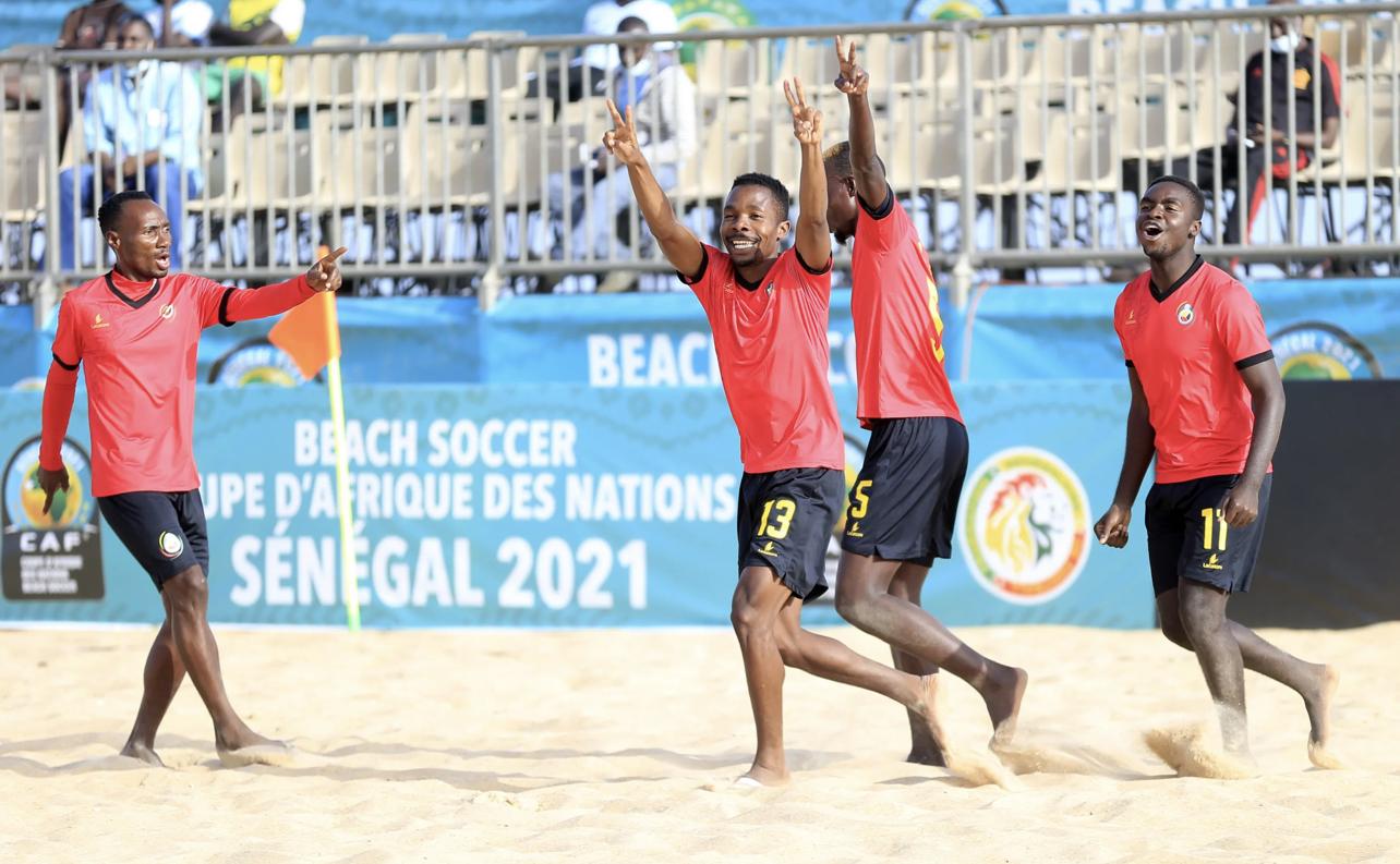 Coupe d'Afrique de Beach Soccer : Le Mozambique rejoint le Sénégal en finale.