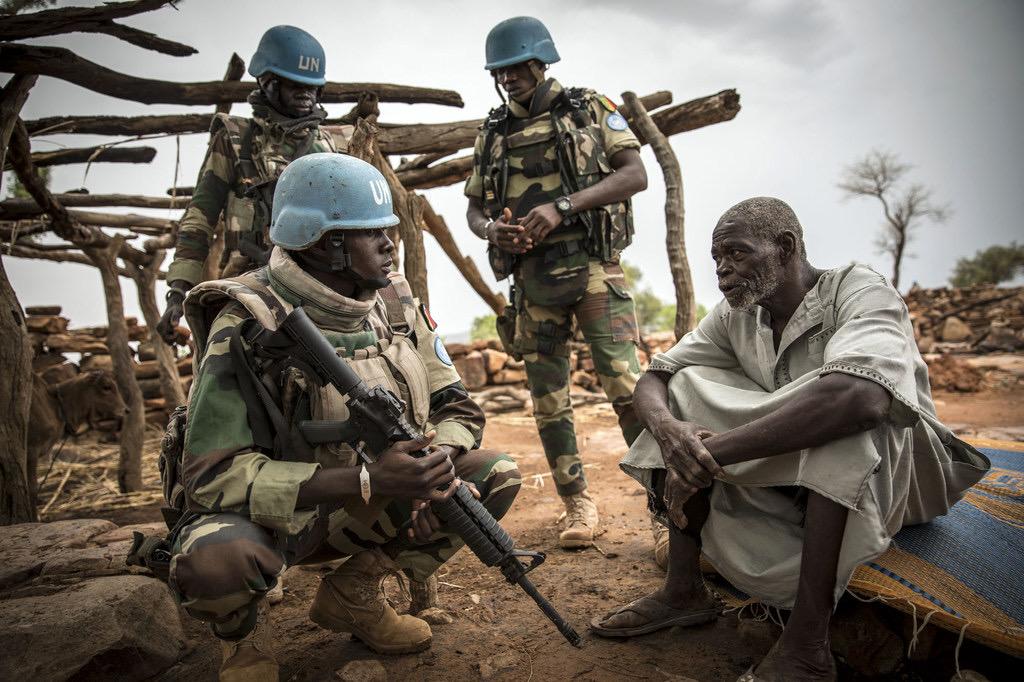 Crise politique: la France suspend ses opérations militaires conjointes avec l'armée malienne