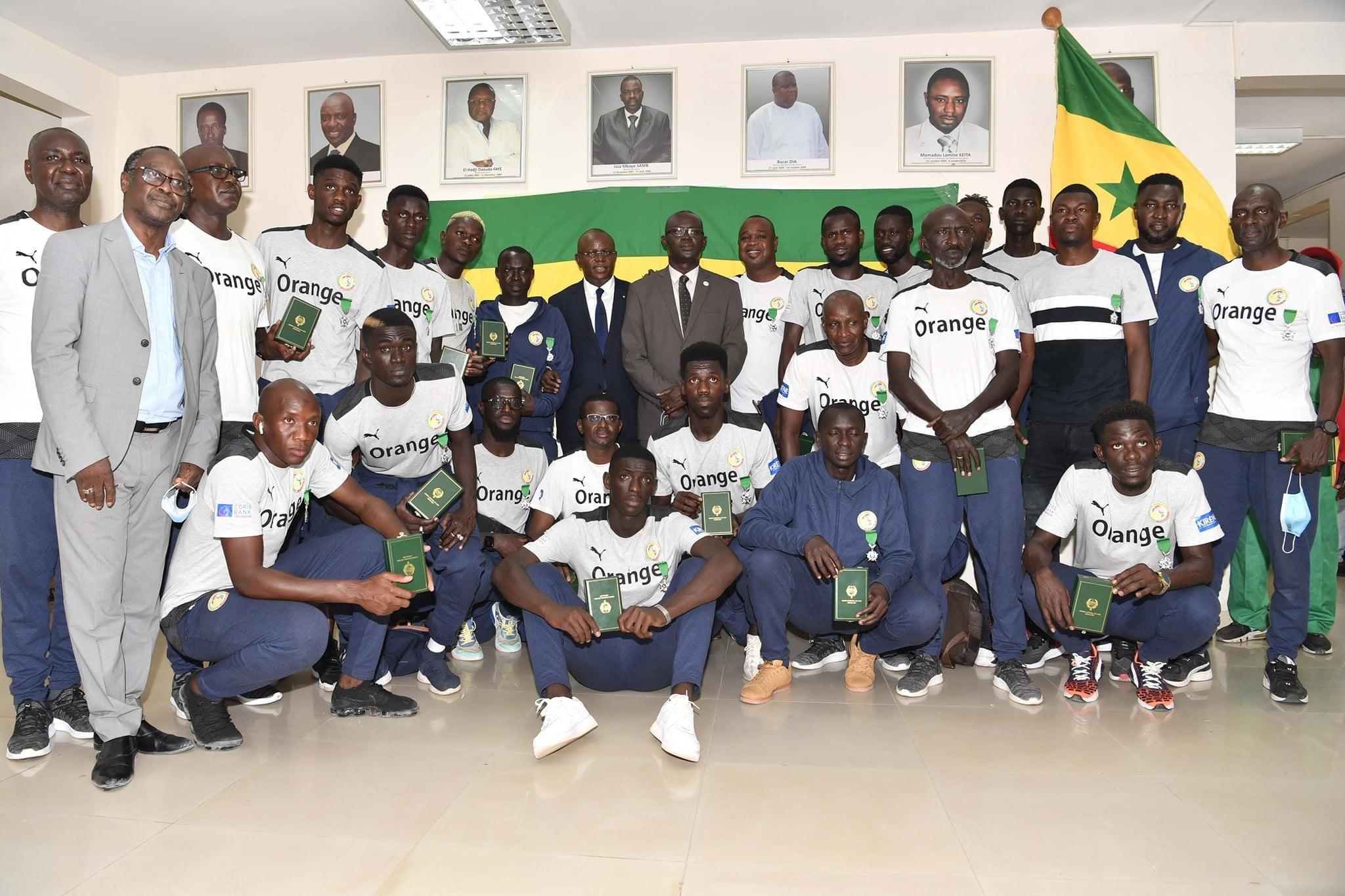Beach Soccer : Les lions de Ngalla Sylla ont reçu leurs médailles et primes.