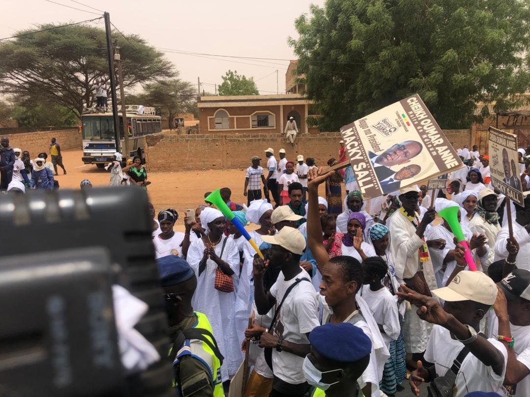 Tournée économique - Arrivée du Président Macky Sall à Ndioum : Les images de la forte mobilisation de Cheikh Oumar Anne.