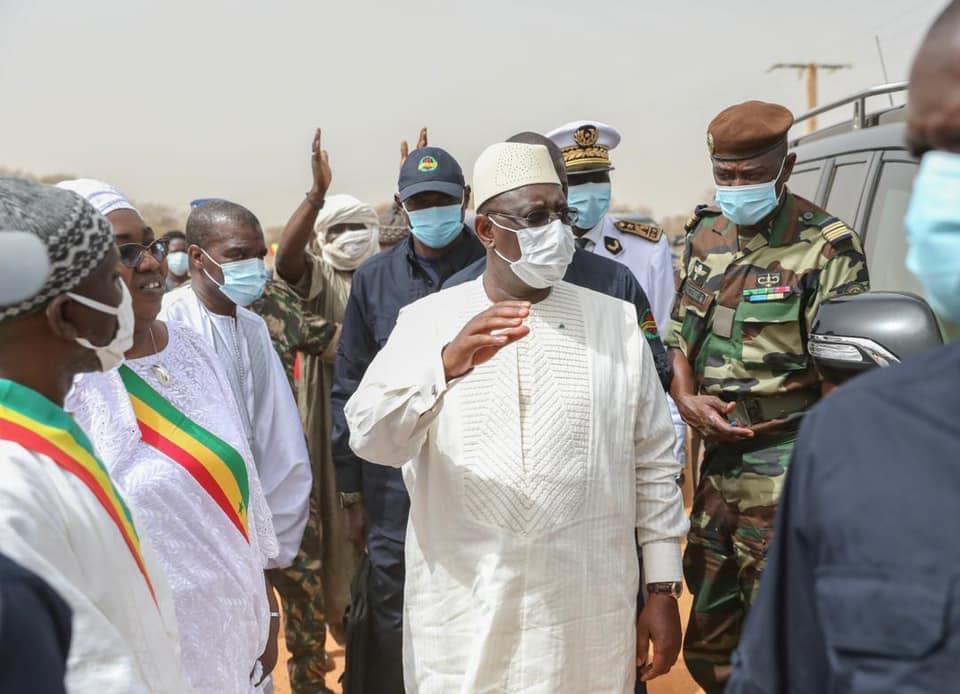 Le président Macky Sall à Guédé Village : «Nous avons engagé une bataille contre le sous-développement et le Fouta qui a été très longtemps oublié ne sera pas en reste»
