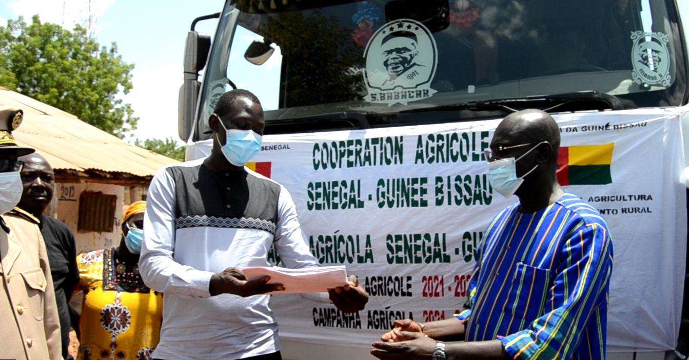 Coopération : le Sénégal octroie près de mille tonnes de semences et d'engrais à la Guinée Bissau.