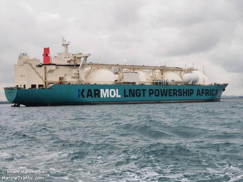 Production énergétique : une unité flottante de stockage et de regazéification (FSRU) à Dakar