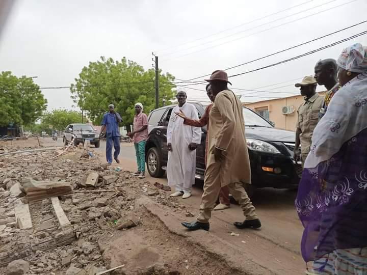 Tamba / Dégâts causés par l'orage : le maire rend visite aux sinistrés et annonce une commission de recensement des victimes.