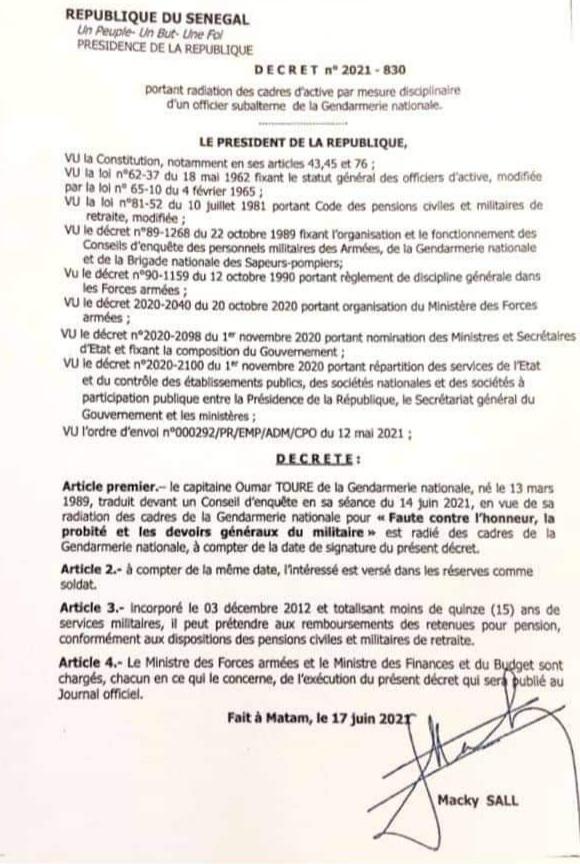 Gendarmerie : le capitaine Omar Touré radié des cadres de la gendarmerie et devient soldat réserviste