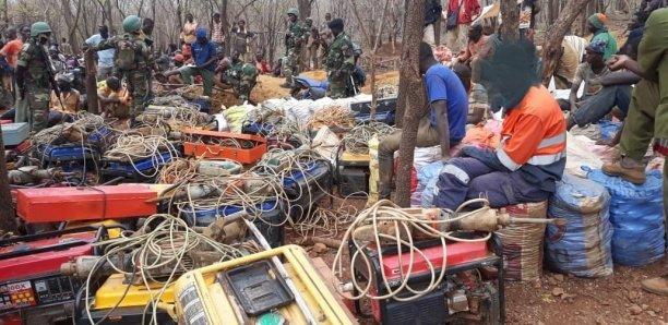 Saraya / Opération Senouya : Des sites d'orpaillage clandestins démantelés par l'armée, 377 interpellations dont 16 personnes déférées.