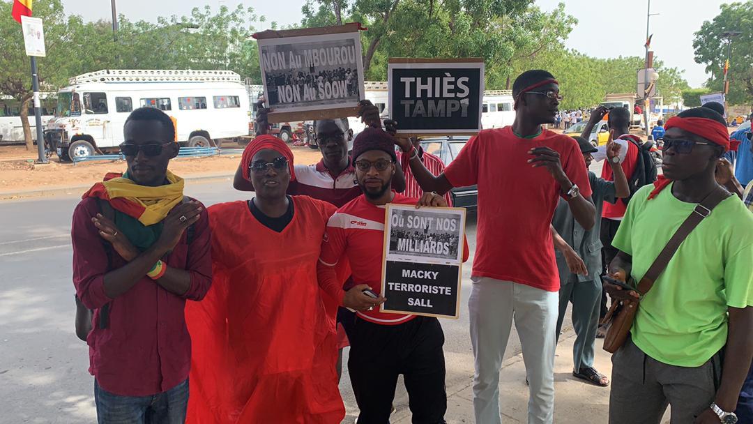 Manifestations contre la visite du Président Macky Sall à l'Isep-Thiès : Trois membres de l'opposition placés en garde à vue et deux blessés dont un grave.