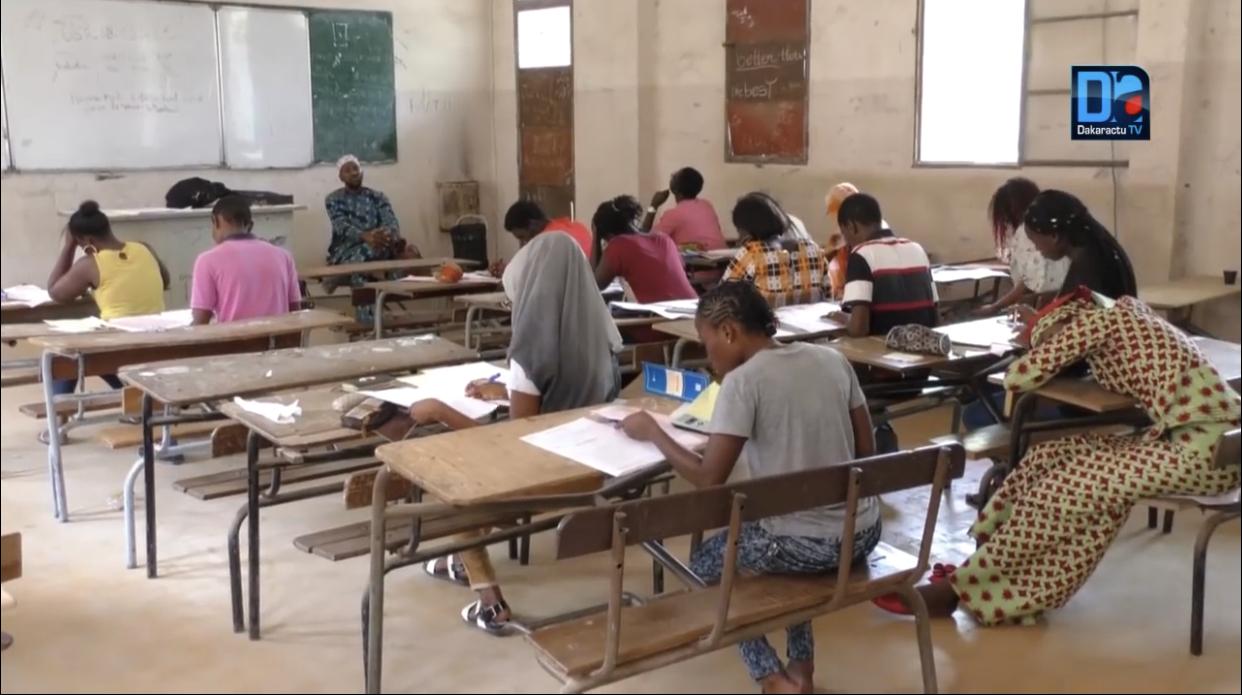 3e vague de Covid-19 / Examens scolaires : Pour les avoir repoussés de quelques jours, des milliers d'élèves exposés au variant Delta.