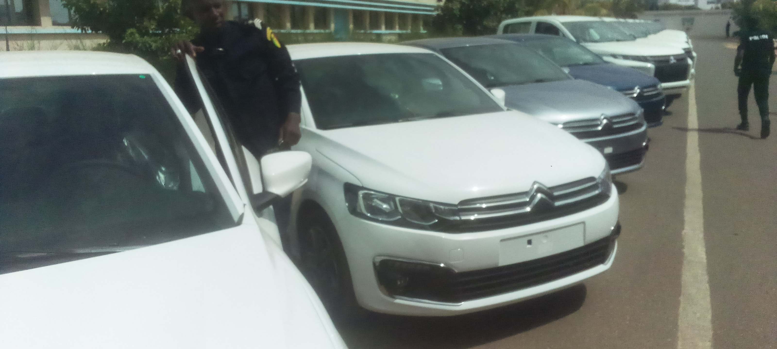 Lutte contre la traite des personnes et le trafic de migrants au Sénégal : La police dotée de véhicules par l'UE.