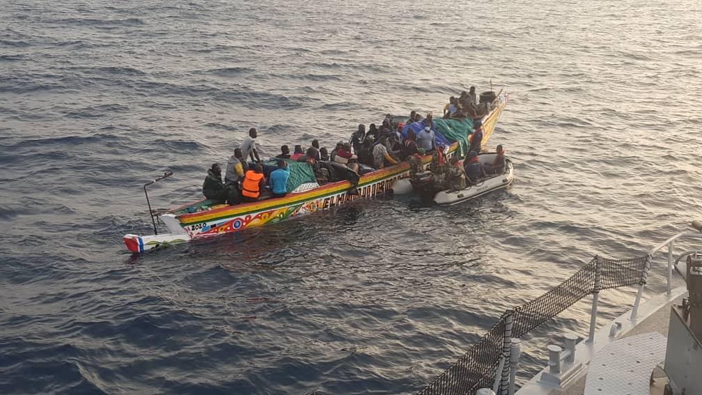 Émigration clandestine : 16 Sénégalais et 55 gambiens arrêtés par la marine au large de Djifère.