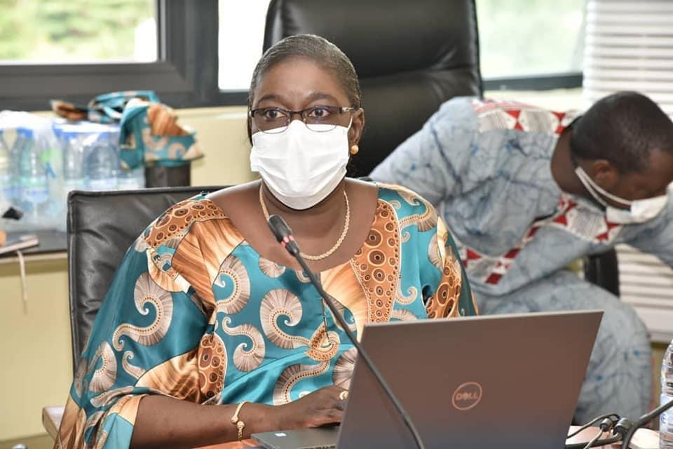 Taux d'incidence du Covid-19 parmi ces classes d'âge : Dr Marie Khemesse Ngom Ndiaye souligne une augmentation de 21% chez les 25-34 ans et de 19% chez les 34-40 ans.
