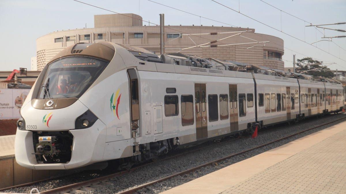 Train Express Régional : Le ministre Mansour Faye annonce sa mise en service en Décembre.