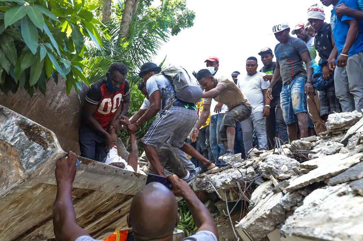 Séisme en Haïti : Le bilan s'alourdit à 724 morts et plus de 2800 blessés.