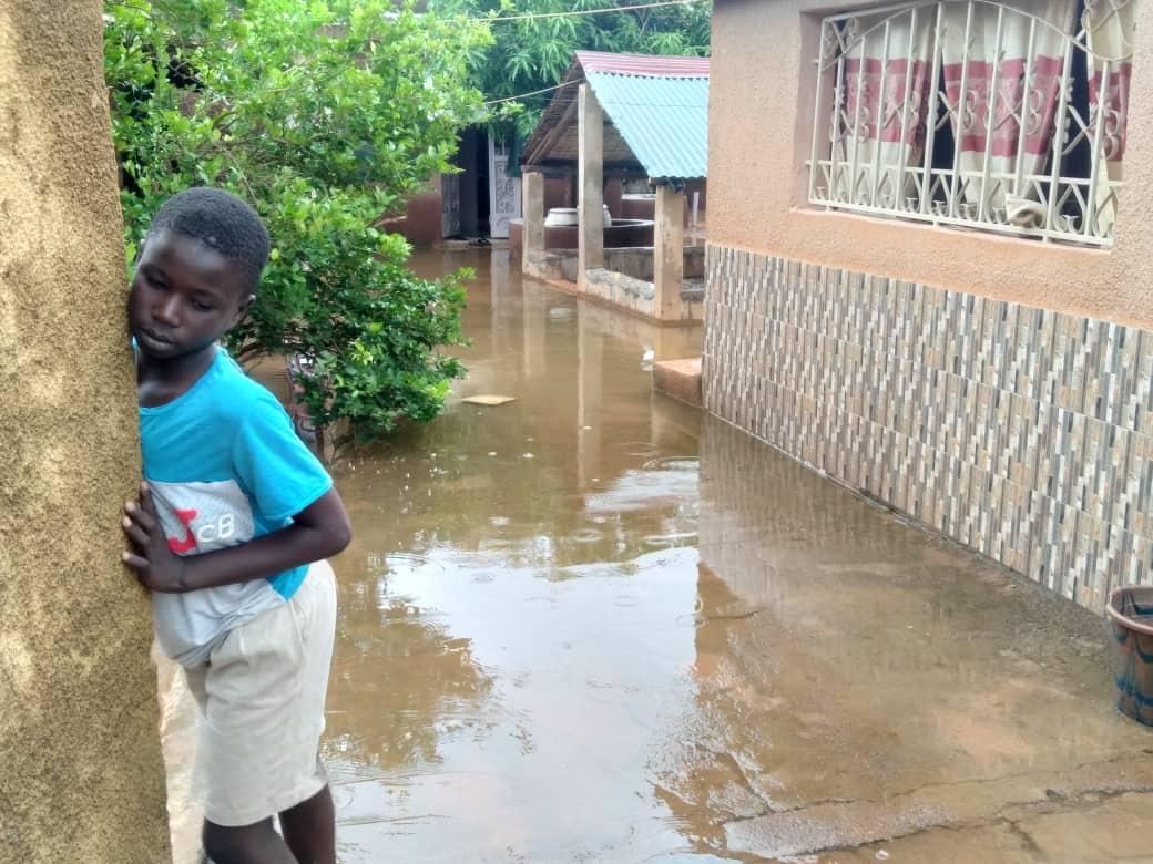 Kédougou / Inondation : Plusieurs concessions inondées par les eaux, les populations indexent la CDE.