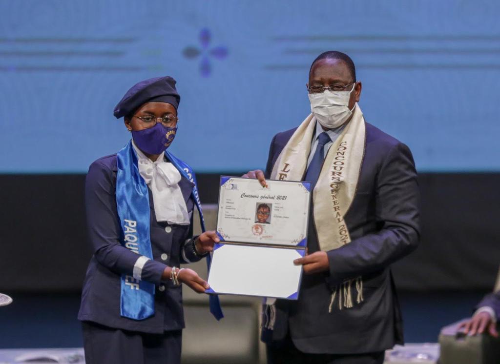 Concours général : le Ministre de la Femme ravie des résultats des jeunes filles lauréates (Communiqué)