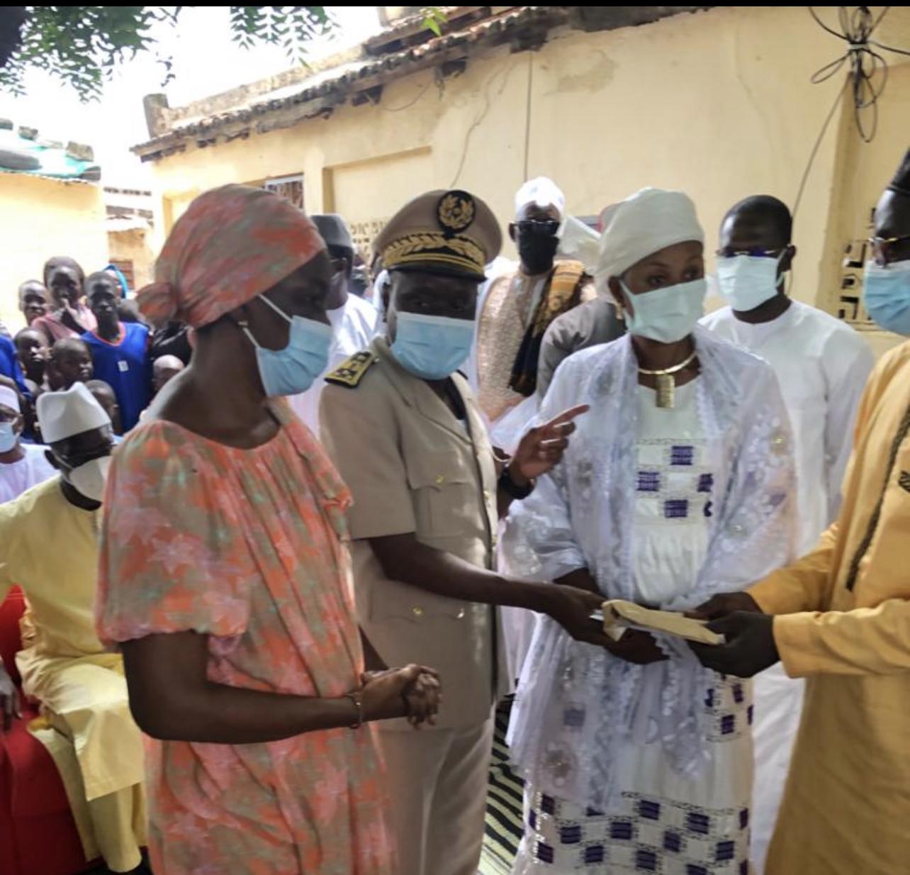 Kaolack : La délégation malienne donne 03 millions à chaque famille des victimes de l'accident.