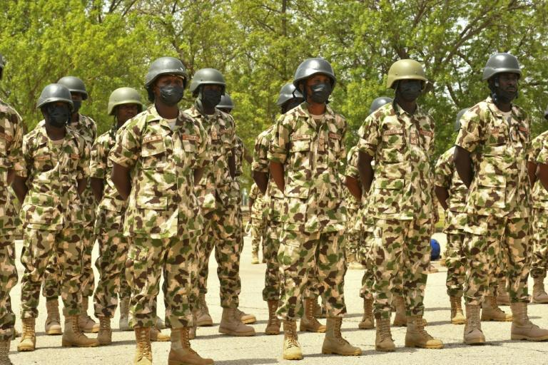 Nigeria : une attaque contre une académie militaire fait deux morts et un officier enlevé.