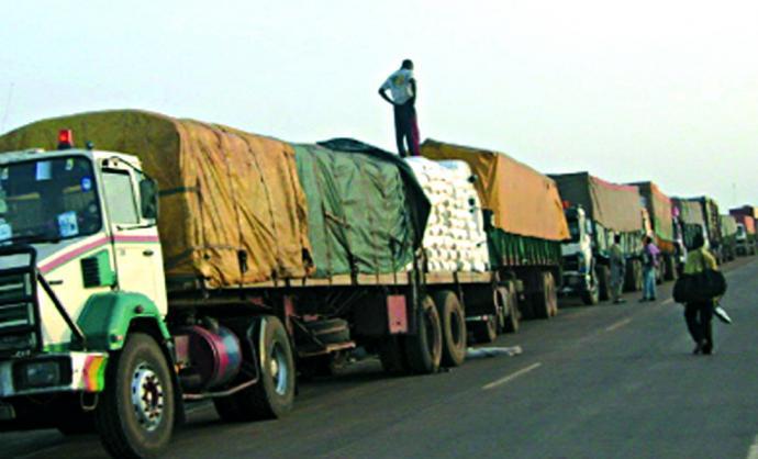 Corridor Dakar-Bamako : Les acteurs des transports routiers brisent le silence sur le blocage des camions sénégalais à la frontière.