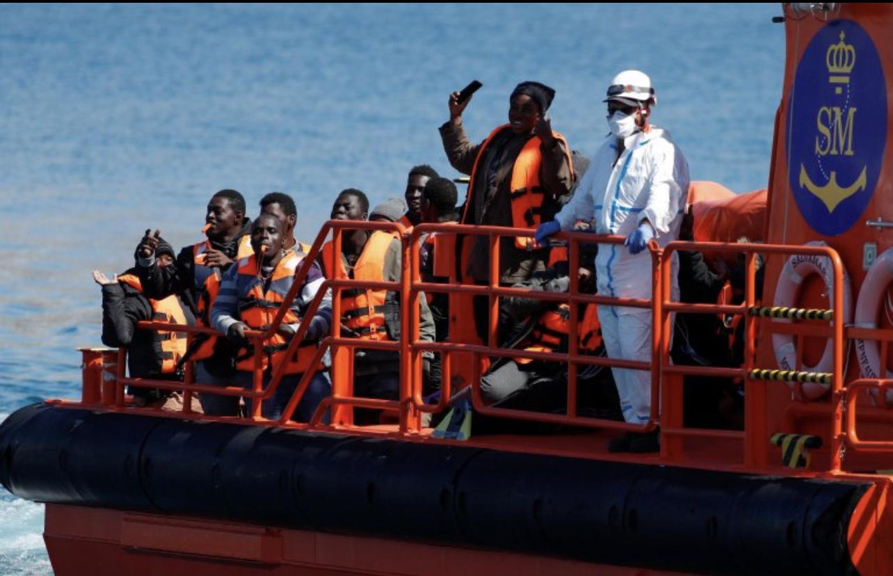 Migration circulaire : où en est la trouvaille des gouvernements espagnols et sénégalais pour boucher la route des Canaries ?