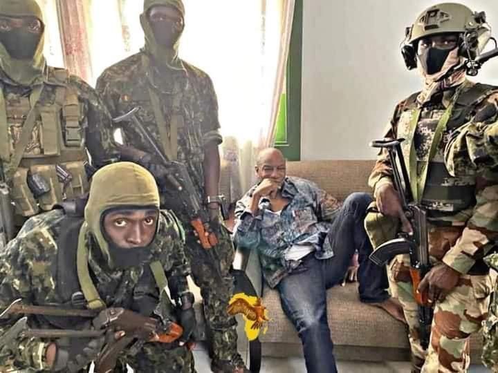 Coup d'état en Guinée : La France appelle à la libération immédiate du président Condé
