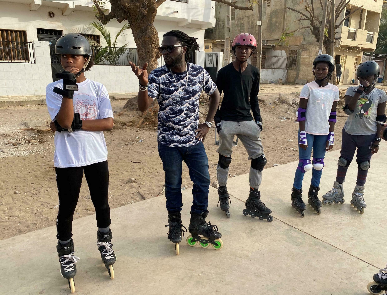 Roller au Sénégal : une randonnée nocturne organisée pour honorer les champions du monde.