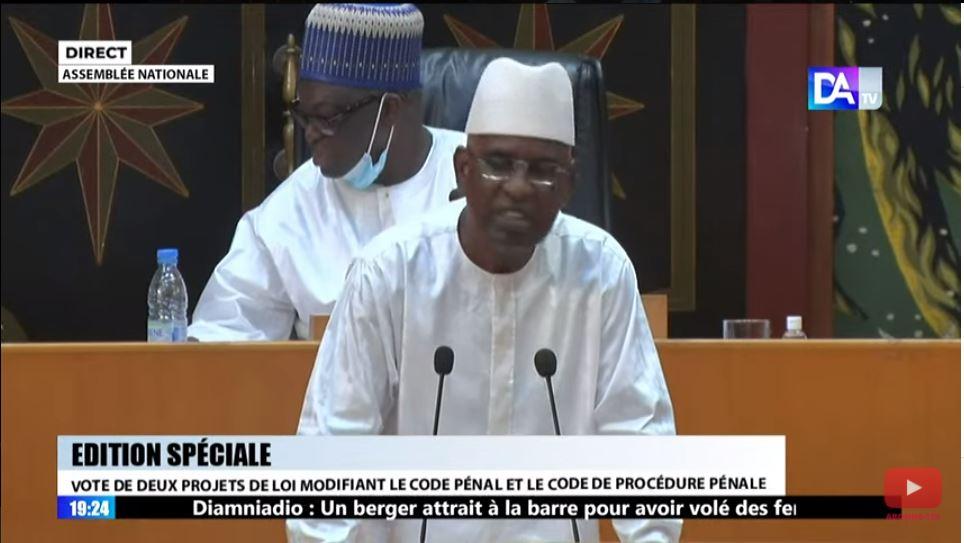 « L'affaire des passeports diplomatiques impliquant des députés sera traitée conformément aux Lois et Règlements en vigueur » (Direction de la Communication de l'Assemblée nationale)