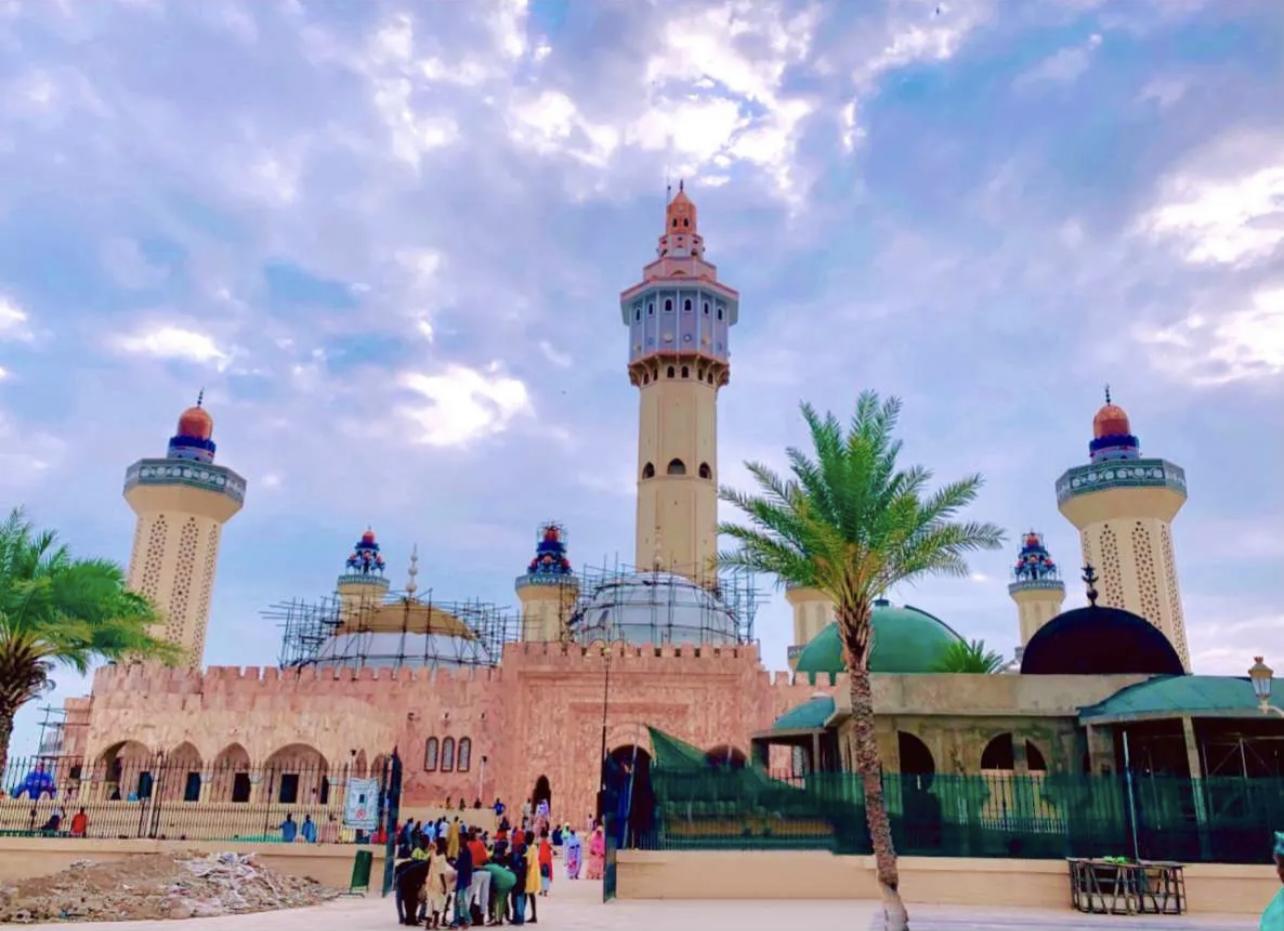 Magal de Touba : À la grande mosquée, là où le culte prend toute sa ferveur.