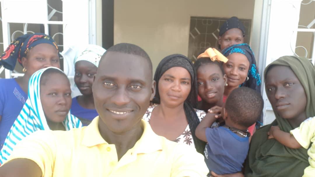 KÉDOUGOU/ÉDUCATION : Le Maire Mamadou H. Cissé, accompagne les volontaires des cases des tout-petits.