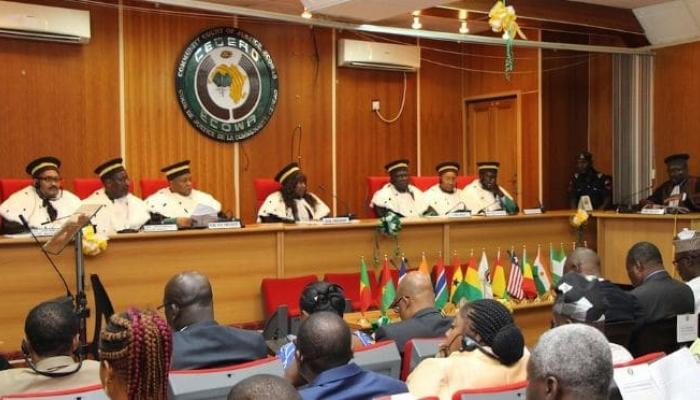 Cour de justice de la CEDEAO : suspension des procédures concernant le Mali et la Guinée.