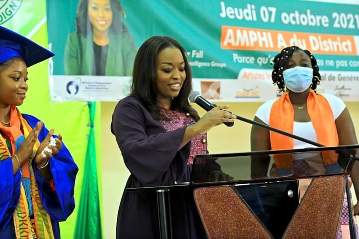 Abidjan / Sortie de la promotion « Amy Sarr Fall » : « Votre persévérance, patriotisme et sens du travail m'ont profondément marquée… Je rentre comblée! » ( marraine)